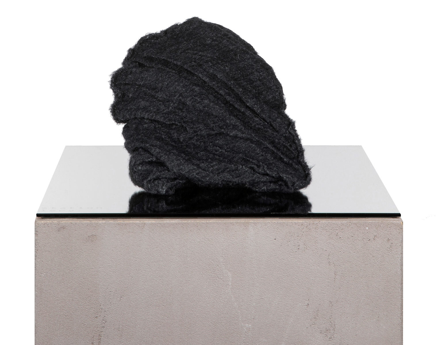 FORME D'EXPRESSION Twisted Beanie anthracite 1