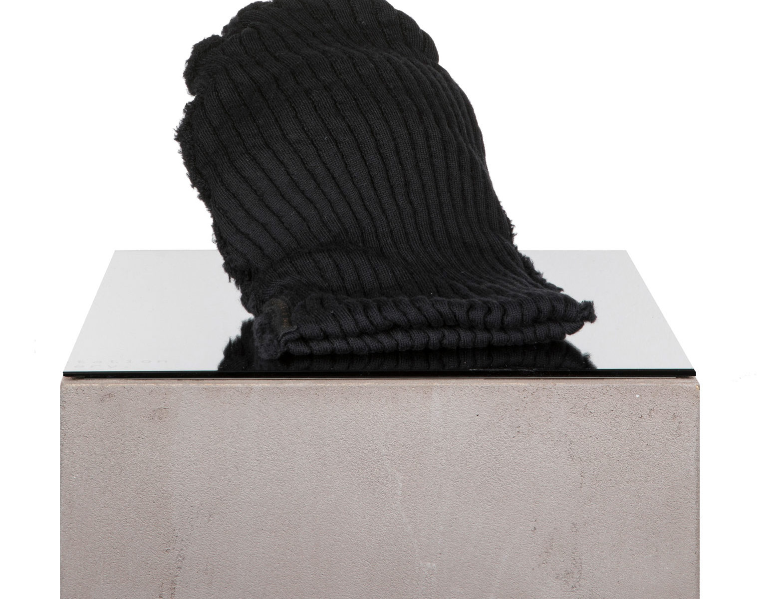 FORME D'EXPRESSION Twisted Beanie black 1